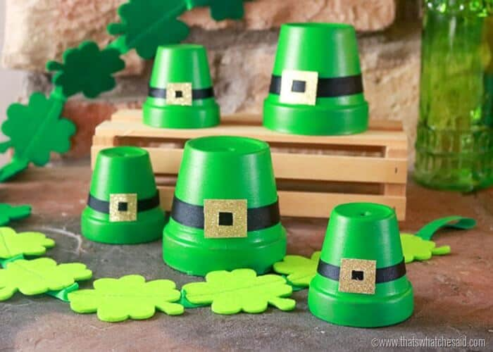 Leprechaun hat clay pot, paint clay pots