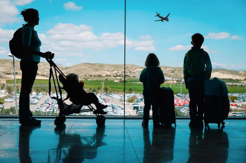 Flying with kids, travel with children, flight information, travel tips and advice for first time flying with your kids